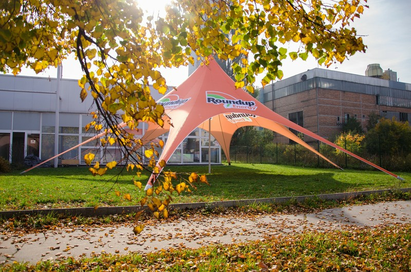 Tipi Event Tent - 12m diameter tipi tent for product promotion - Roundup
